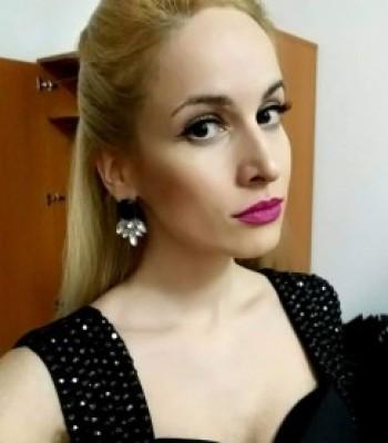 avatar for Ana Komarica